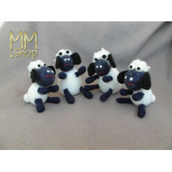 Felt animal model Sheep black feet (large)