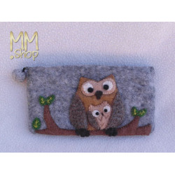 Felt pencil case with owls