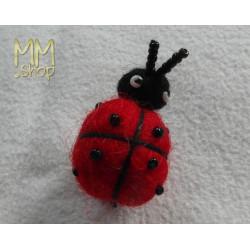 Felt ladybuck-pin