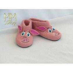 Felt slipper model piglet