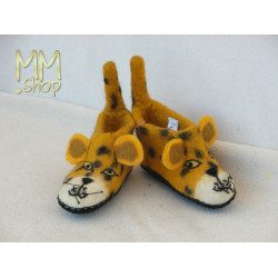 Felt slipper model Jaquar