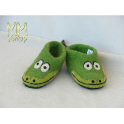 Felt slipper model crodille