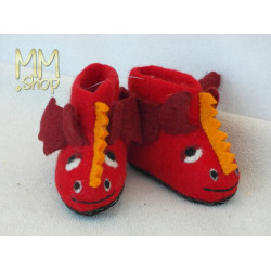 Felt slipper model red dragon
