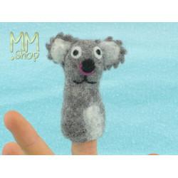 Felt fingerpuppet model Koala