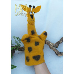 Felt handpuppet model Giraffe