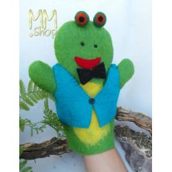 Felt handpuppet model Frog
