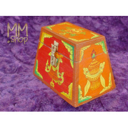 Box Pyramid White Shell S