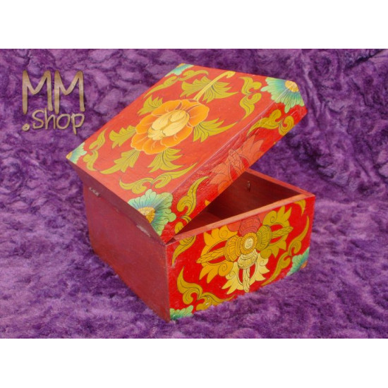 Wooden box with flowers M